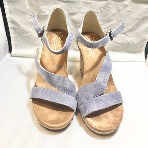 Toms Clarissa wedge heel sandal 9.5